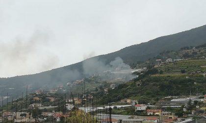 Brucia una baracca in strada Noci a Ospedaletti