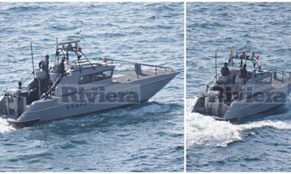Controlli della Guardia di Finanza dentro e fuori il porto di Bordighera. Foto e Video