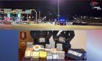Carabinieri sequestrano 30 kg di hascisc sotto il serbatoio di un'auto