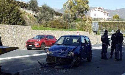 Polizia locale: due denunce per un incidente stradale sull'Aurelia Bis