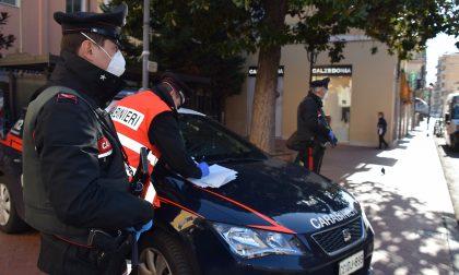 Sorpreso a fare il bagno nel giorno di Pasqua, 25enne multato dai carabinieri