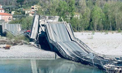 Flash: crolla un ponte tra Toscana e Liguria. Le immagini