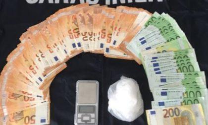 Cocaina e contanti, Carabinieri ammanettano due pusher