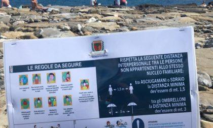 Spiagge libere: a Sanremo spuntano i cartelli con i regolamenti
