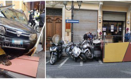 Suv si schianta nel dehor del bar a Sanremo, tragedia sfiorata. Foto e Video