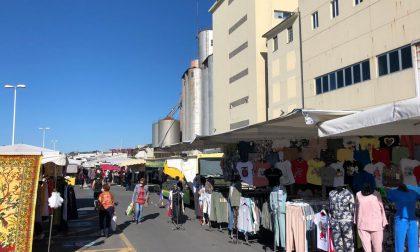 Torna il mercato a Oneglia dopo la serrata degli ambulanti -Foto