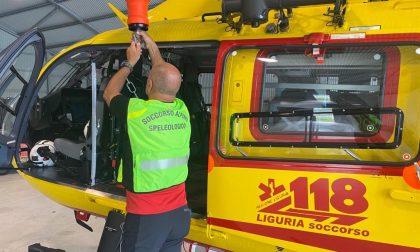 Bimbo di 4 anni in elicottero al Gaslini dopo una caduta mentre giocava col nonno