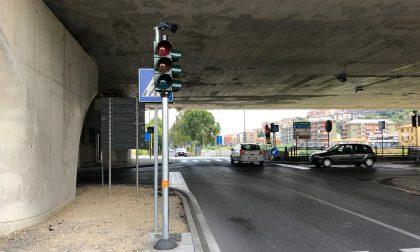 Posizionati i nuovi semafori sull'argine sinistro
