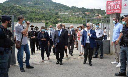 Delegazione del Ministero dell'Interno al Campo profughi di Ventimiglia – Foto e Video