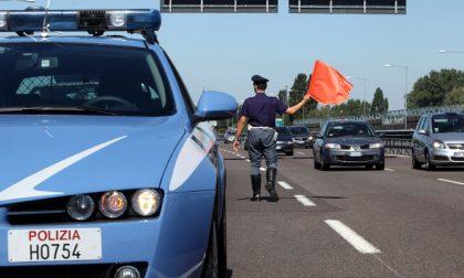 Sei migranti fermati dalla Polizia mentre tentavano l'espatrio a piedi in autostrada