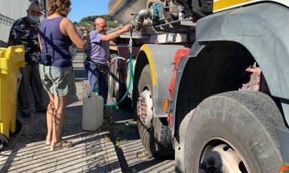 Altre cinque autobotti per rifornire d'acqua la popolazione. Ecco dove saranno posizionate