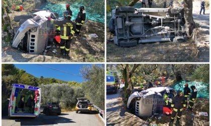 Precipitano col fuoristrada nella fascia: feriti padre e figlio a Ventimiglia. Video