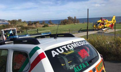 Motociclista ferito a Sanremo. Allertato l'elicottero