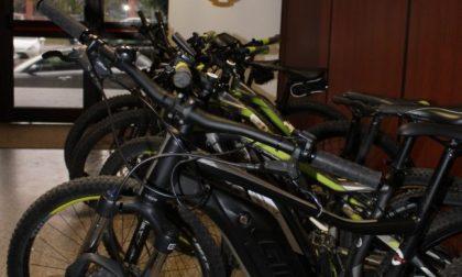 Affittavano bici elettriche ma invece di restituirle le rivendevano