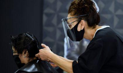 Chiusura di parrucchieri e centri estetici non è sul tavolo del Governo. Rischiano palestre e piscine