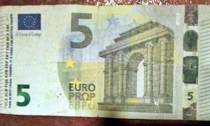 """Attenzione ai 5 euro falsi, a Sanremo ne hanno già """"rifilato"""" uno"""