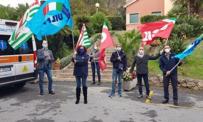 Sindacati in piazza a Villa Spinola per rivendicare i diritti del personale sanitario