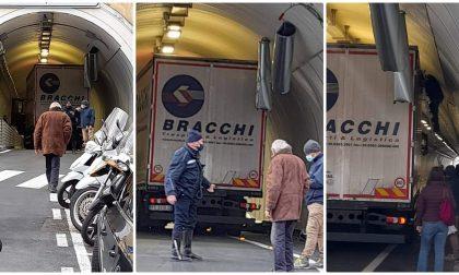 Ancora un camion incastrato: danni alla galleria Scoglietti di Ventimiglia