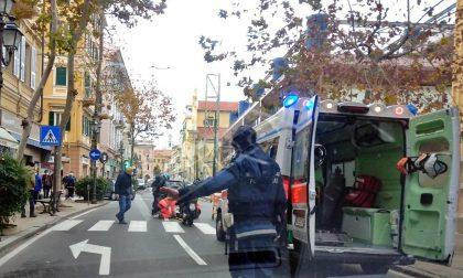 Donna investita da uno scooter in corso Garibaldi a Sanremo