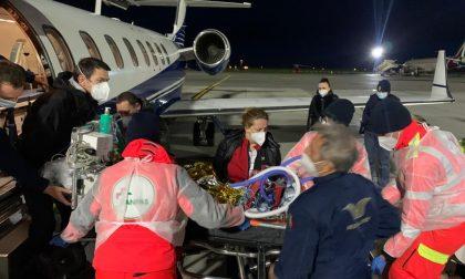 Volo dalla Macedonia a Genova per salvare un bimbo di 18 mesi