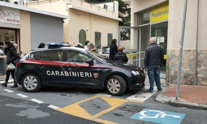 """""""Saltano la coda"""": cliente delle Poste chiama i carabinieri a Bordighera"""