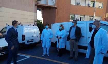 Pandori e panettoni in dono all'Ospedale Borea