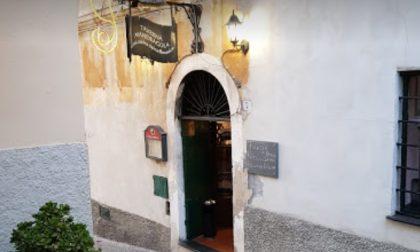 Rogo distrugge porta di un ristorante nel Dianese. Non si esclude nessuna ipotesi