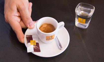 Multa di 400 euro al titolare di un bar per aver servito il caffè nella tazzina di ceramica
