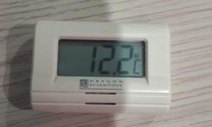 Ufficio anagrafe al freddo, la temperatura è di 12 gradi