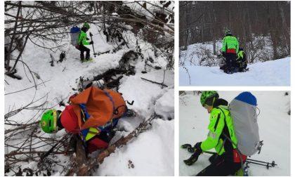 Dispersi passano la notte al freddo in montagna soccorsi oggi in ipotermia