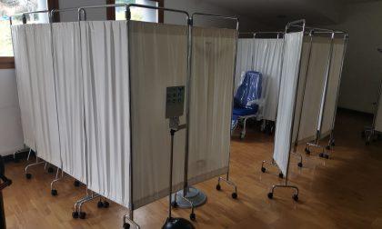 Riduzione dosi Astrazeneca per i frontalieri il vaccino slitta ad aprile