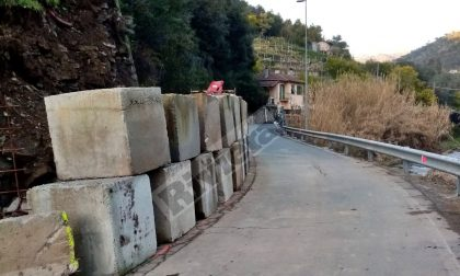 Senso unico alternato con semaforo sulla provinciale per Soldano