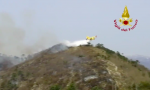 Foto e video dell'operazione di spegnimento dell'incendio a Villa Faraldi