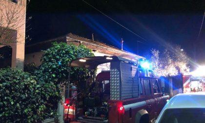 Incendio in un'abitazione. Evacuata una coppia