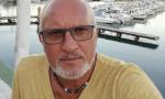 Stroncato dal Covid a 60 anni l'uomo dei gessetti profumati