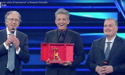 Biancheri e Faraldi consegnano a Fiorello il Premio Città di Sanremo