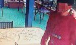 """Ruba nel ristorante e titolari si scusano col ladro: """"Pochi soldi, ma è un periodo di m…"""""""