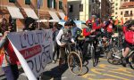 Arrivata a Imperia L'Ultima Ruota protesta in bici del mondo di cultura e spettacolo