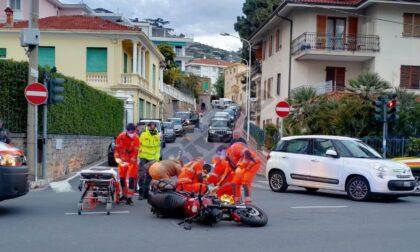 Scontro auto e moto sull'Aurelia a Ospedaletti, ferita una donna