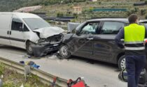 Scontro frontale a Taggia tra auto e furgoncino: uomo in elicottero al Santa Corona