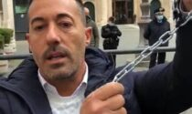 Le partite Iva di Sanremo si incatenano davanti a Montecitorio. Video