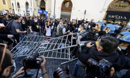 """Toti: """"Solidarietà a commercianti e  ristoratori ma no alla violenza"""""""