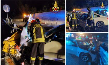 Si schiantano con l'auto contro guard rail: due feriti sull'A10 nella notte