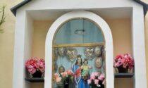 Sanremo: una preghiera davanti all'edicola della statua della Madonna di Costiglioli