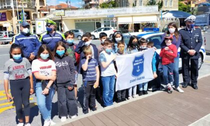 Educazione stradale agli studenti con la polizia locale di Diano Marina