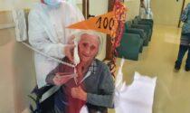 Auguri a zia Leonilde che spegne 100 candeline