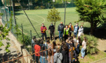 Piantato dai Lions un albero di alloro nel giardino delle scuole medie