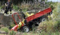 Fuori strada col trattore in campagna: 28enne in elicottero al Santa Corona