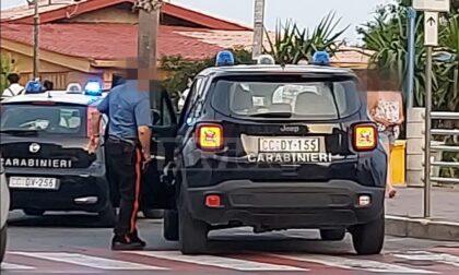 Servizi di controllo dei carabinieri sul lungomare di Ventimiglia