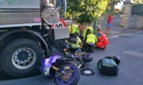 Motociclista finisce sotto un camion dell'Amaie a Sanremo